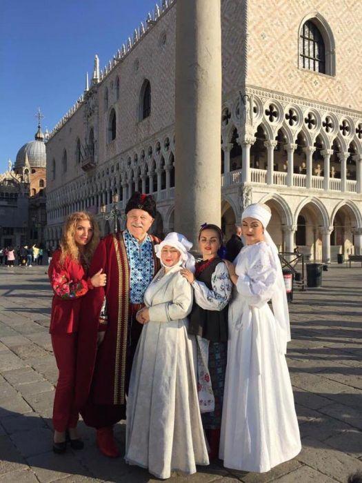 b_700_700_16777215_00_images_archive_5_venecia.jpg