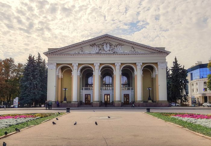 b_700_700_16777215_00_images_news_2020_teatr_theatre_in_poltava.jpg
